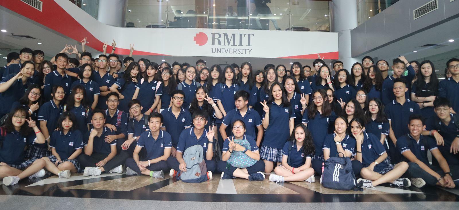 Khối 11 tham quan, học tập tại Đại học RMIT