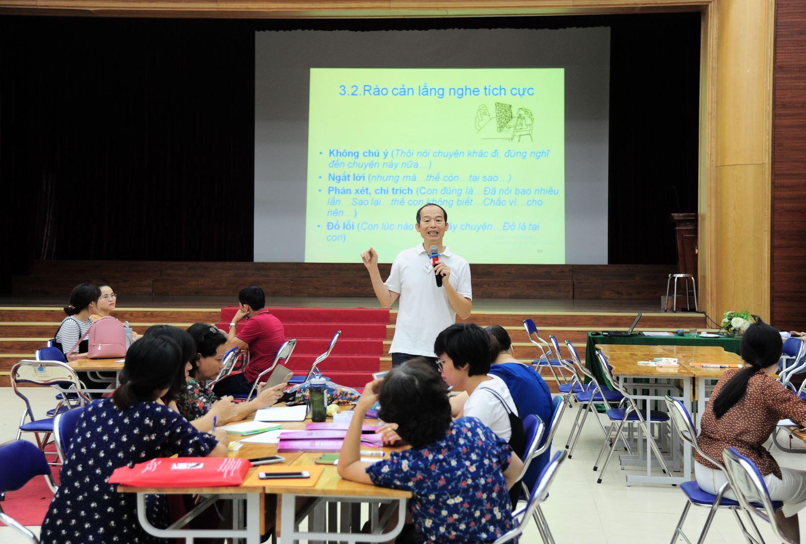 Tập huấn Kỷ luật tích cực cho giáo viên Trung học