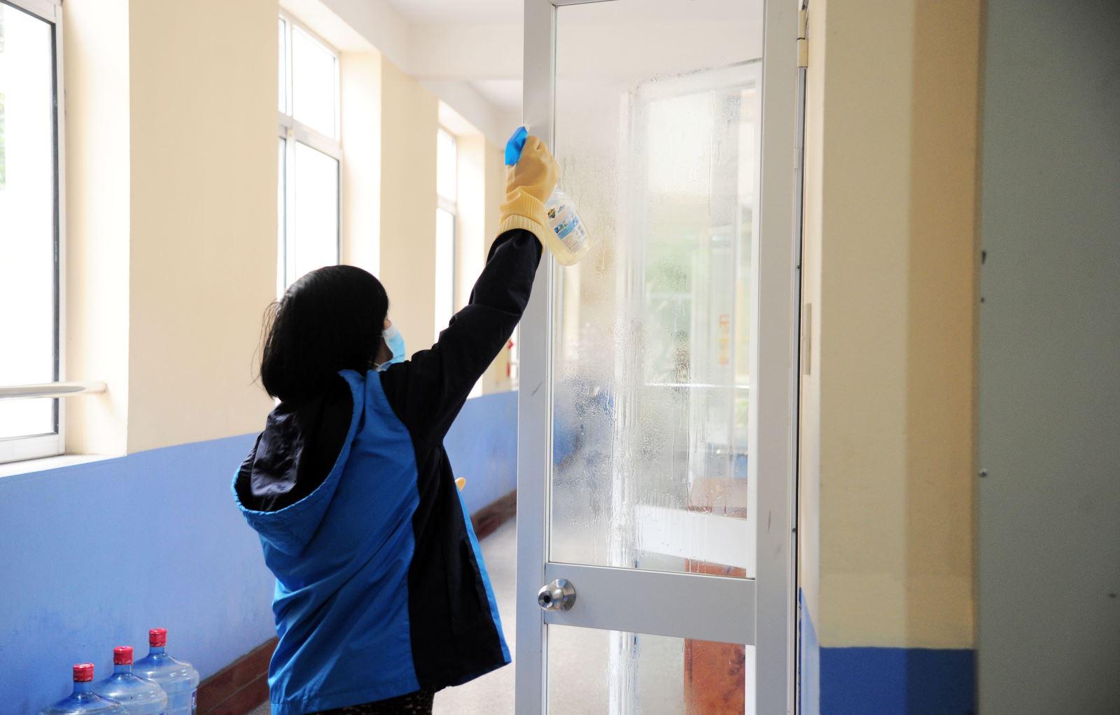 Trường Nguyễn Siêu lần thứ 3 tổng vệ sinh chống dịch Corona